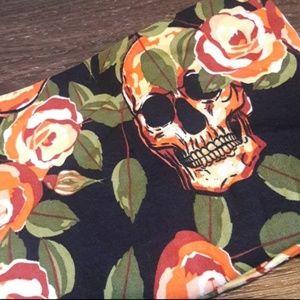 Lularoe TC2 Skulls & Roses Halloween Leggings